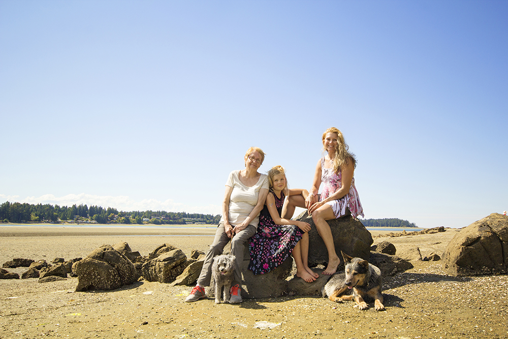 Parksville Rathtrevor Beach Family Photographer
