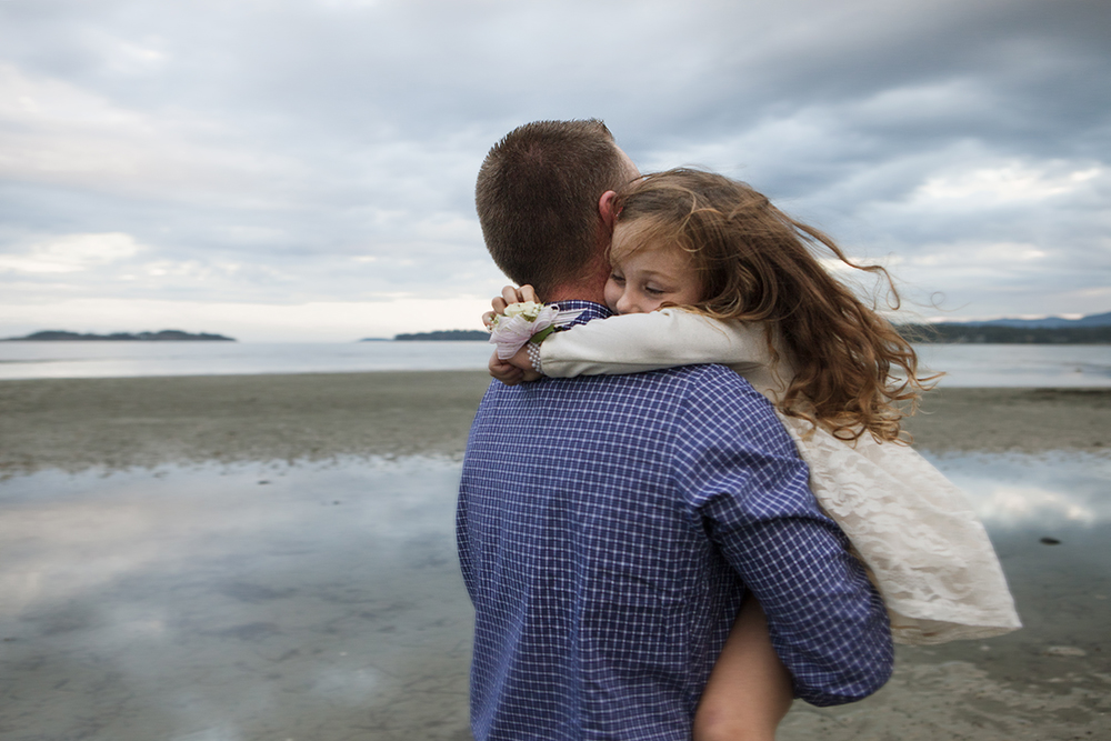 Daddy and Daughter Beach Date- Parksville Family Photography