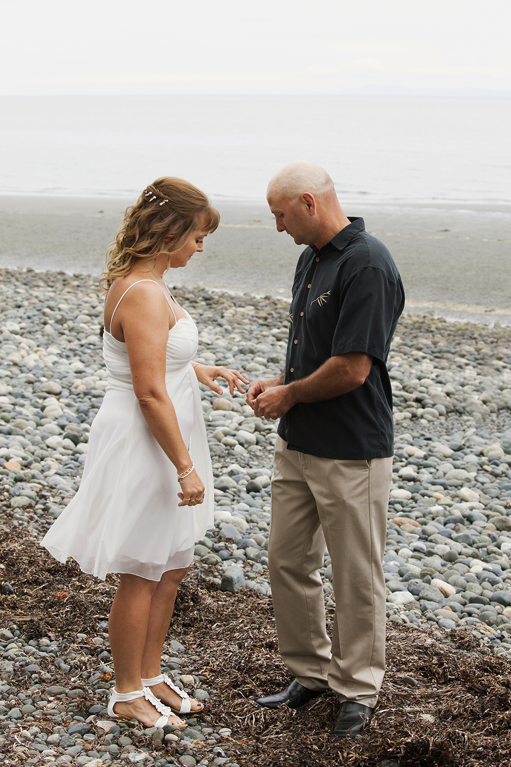 Qualicum Beach Wedding Elopement Photographer | Parksville Elopement Photographer