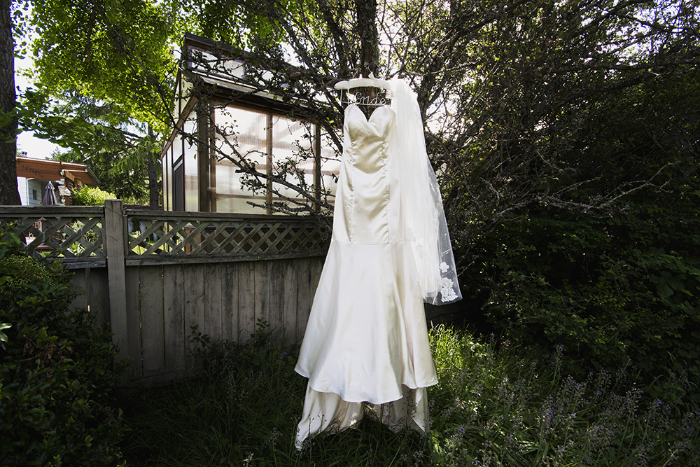Vancouver Island Elopement Photographer | Victoria Gorge Waterway Wedding