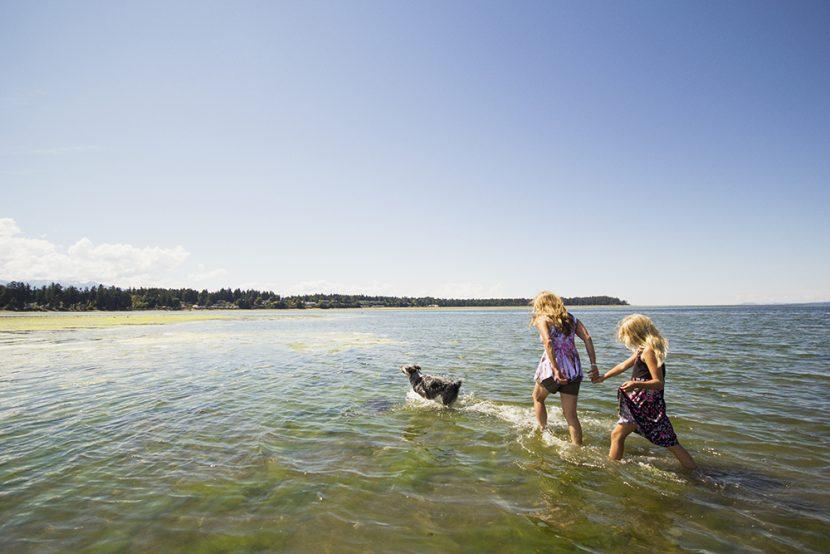 Parksville Rathtrevor Beach Family Photographer
