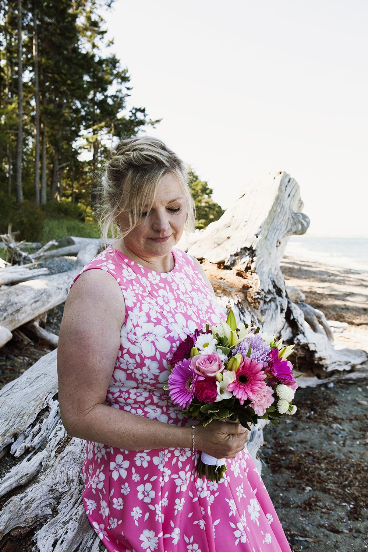 Rathtrevor Beach Wedding Photographer   Rathtrevor Beach Elopement Photographer   Parksville Wedding Photographer