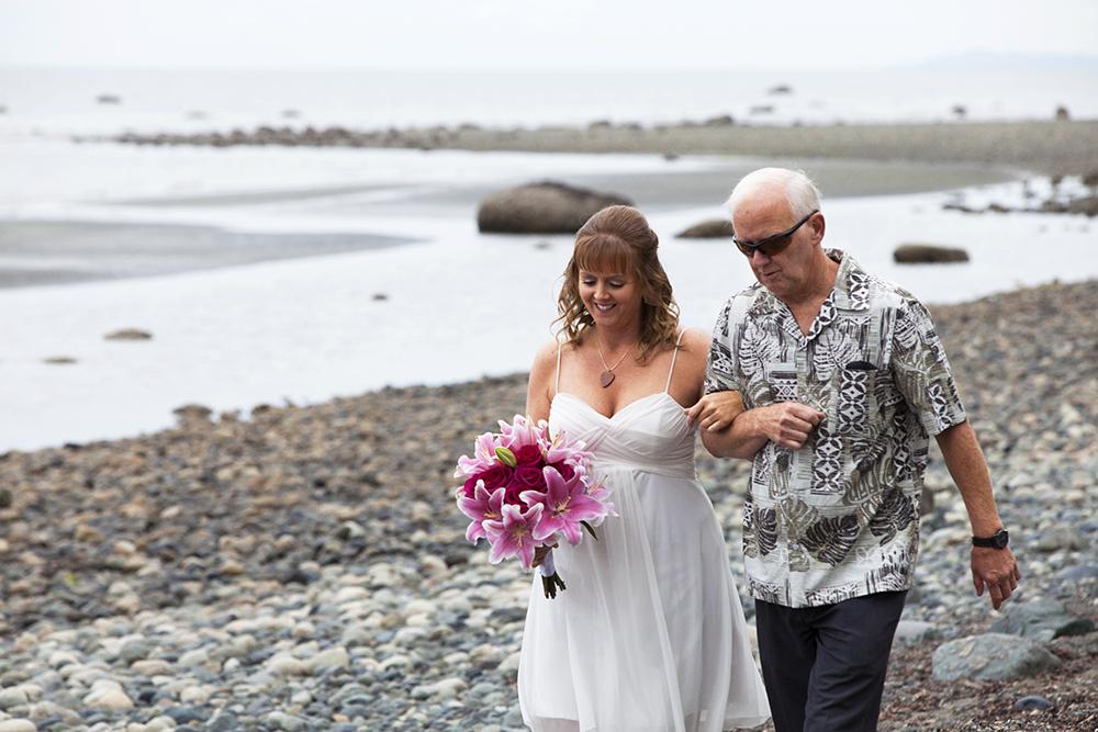 Qualicum Beach Wedding Elopement Photographer | Parksville Elopement Photographer